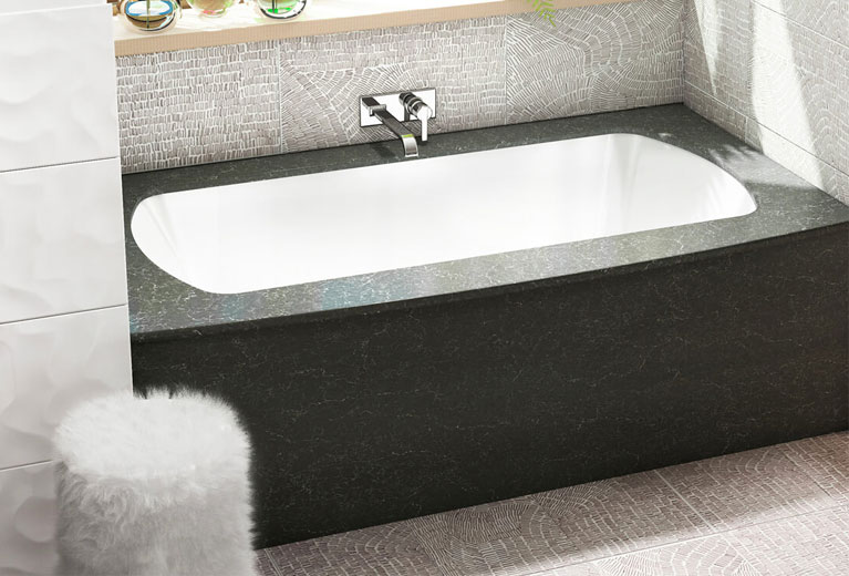 Monarch GrandLuxe luxury bathtub